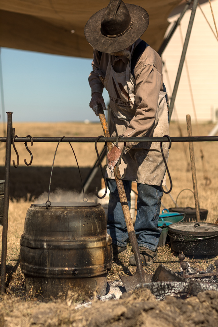 Chuck-Wagon-Food-Cooking-South-Texas-Ranch-Jason-Risner-Photographt-8431