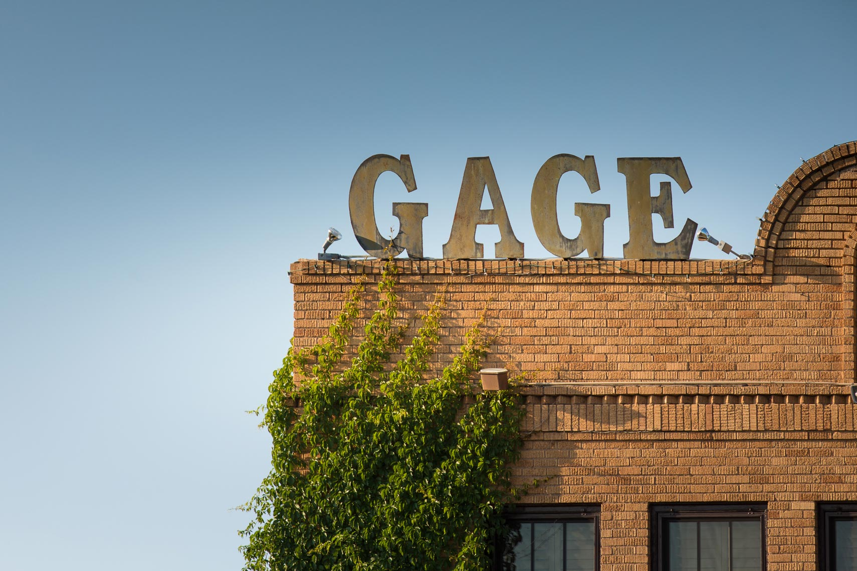 gage-hotel-sign-jason-risner-photography-3686