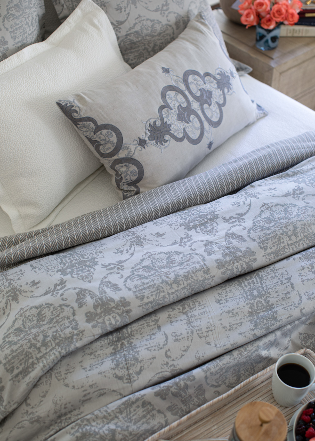lili-alessandra-bedding-product-jason-risner-photography